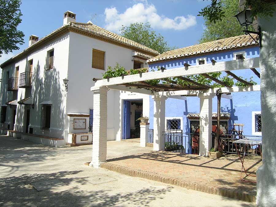 Casas rurales en granada cortijo balzain for Casa de granada